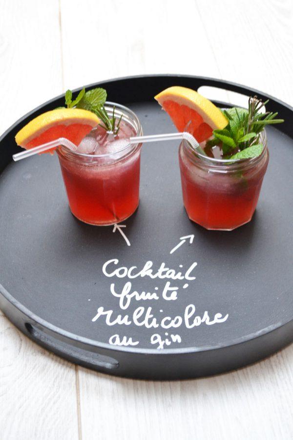 Cocktail fruité multicolore au gin