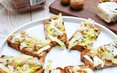 Tartines d'endives et roquefort